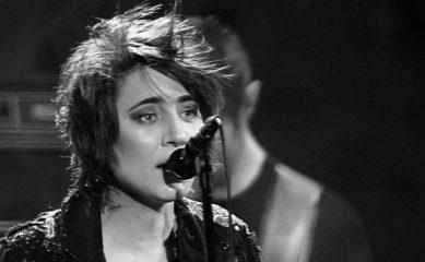 Земфира выпустила клип на трек «Пальто». Его сняла Рената Литвинова