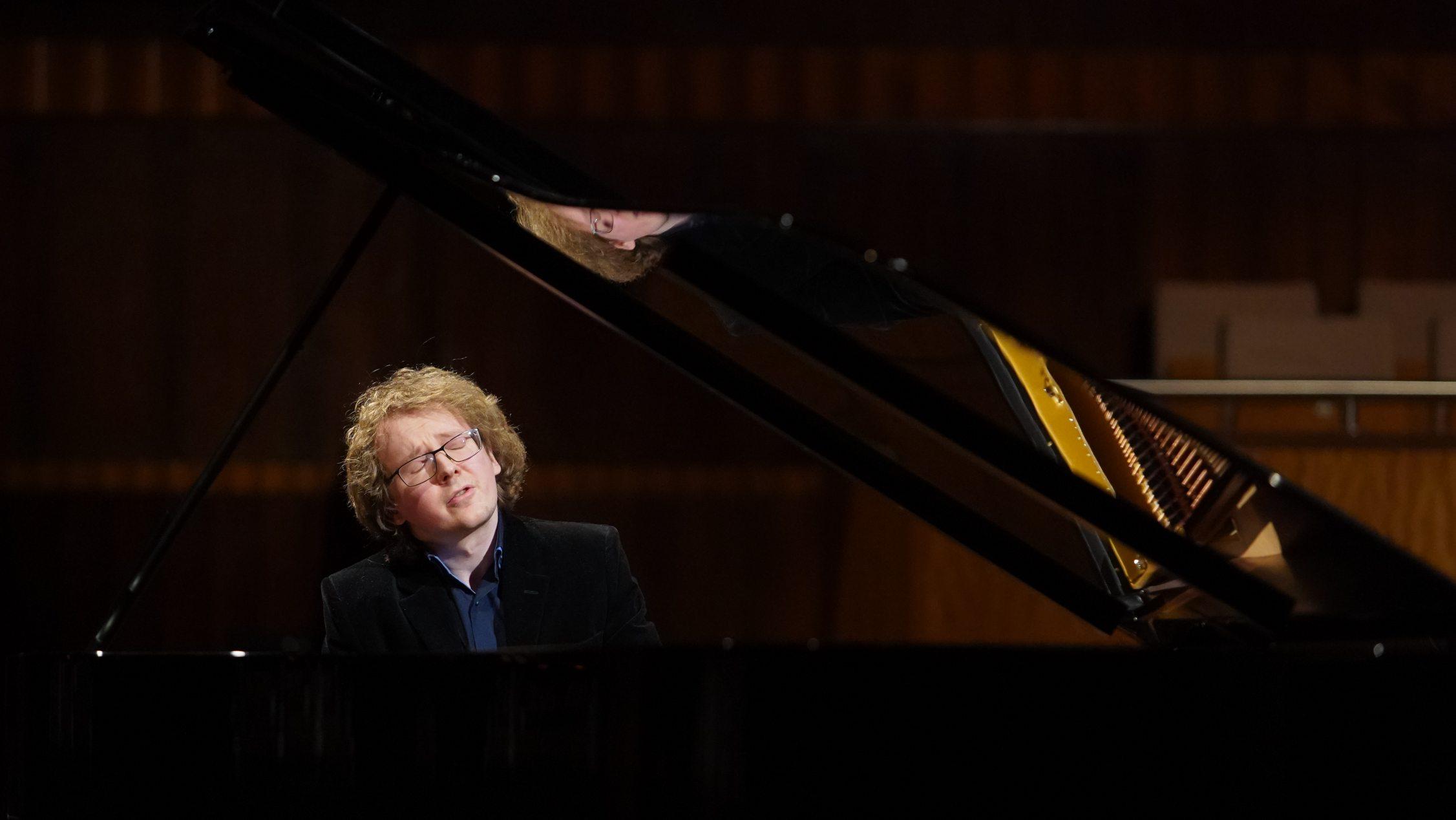 Российский пианист занял второе место в конкурсе имени королевы Елизаветы