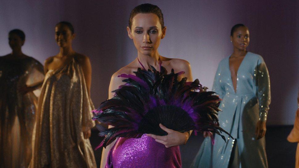 Бренд Halston выпустит вечерние платья по мотивам сериала Netflix «Холстон»