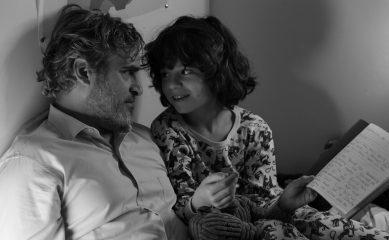Хоакин Феникс путешествует по Америке в трейлере черно-белой драмы C'mon C'mon