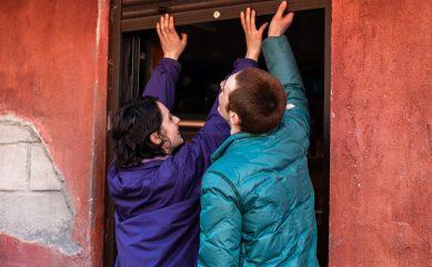 «Гараж» покажет «Разжимая кулаки» Киры Коваленко. Режиссер представит фильм с Александром Роднянским