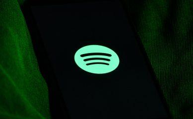 В российском Spotify стали доступны подкасты